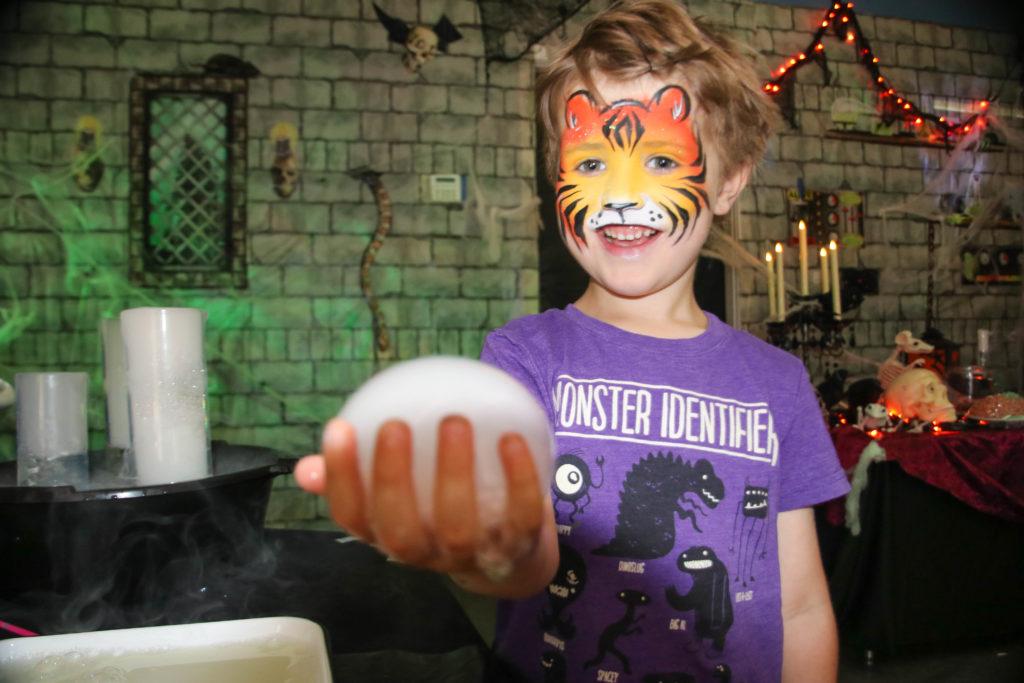 Funtazmagoria child playing