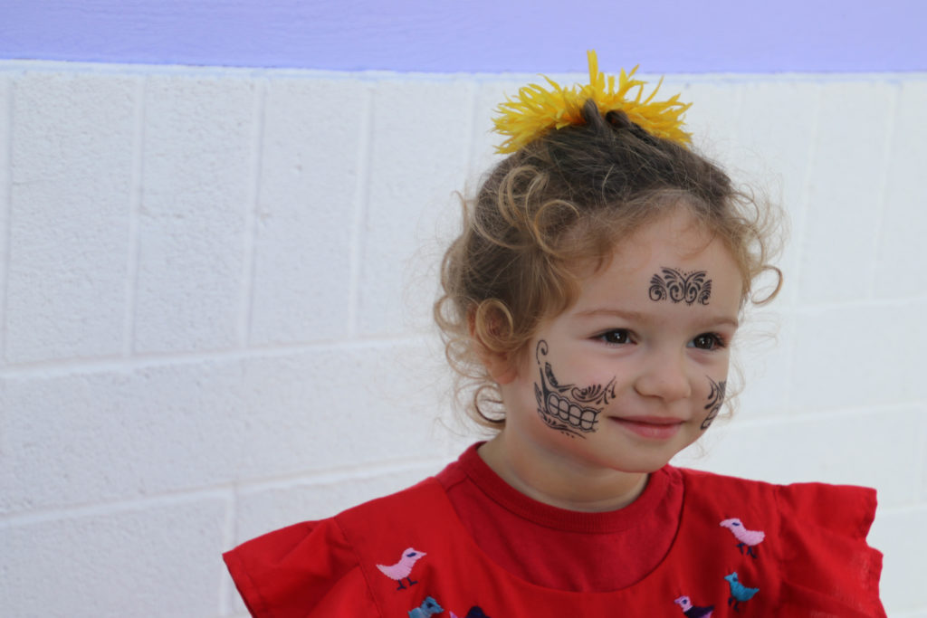 Funtazmagoria child with face paint